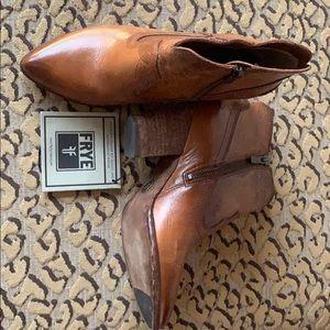 Frye Shoes - Frye Short Sean Boots